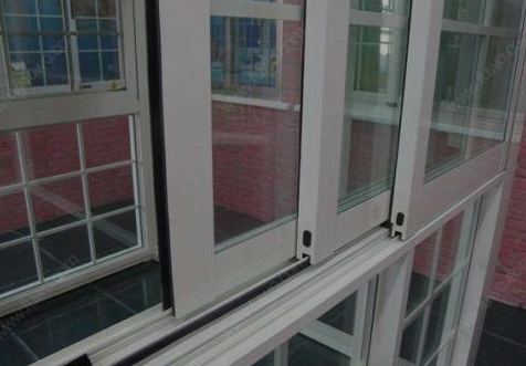 定制型的门窗,用哪种门窗型材好?