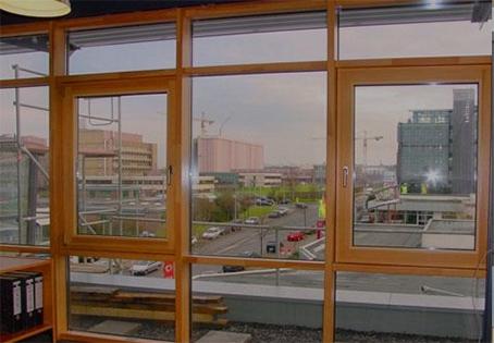 影响铝合金门窗价格的因素